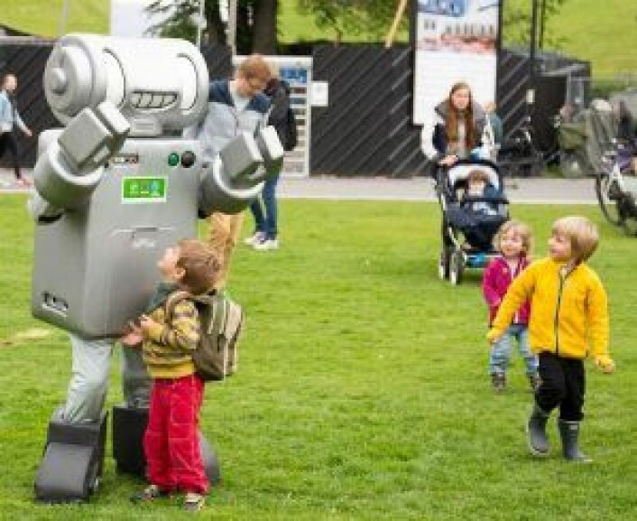 Barna fikk møte Kildesortering Oslos maskot Bagsy! Foto: Susanne Skaug