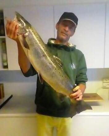 – Det skal mye til før jeg tar meg en fisketur til Akerselva en sen kveld, sier laksefisker Arnfinn Lunde. Foto: Privat