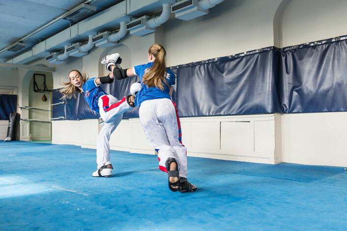 Monica Engeset og Tirill Nanett Bjørnestad Næss på trening. Foto: Stine Raastad