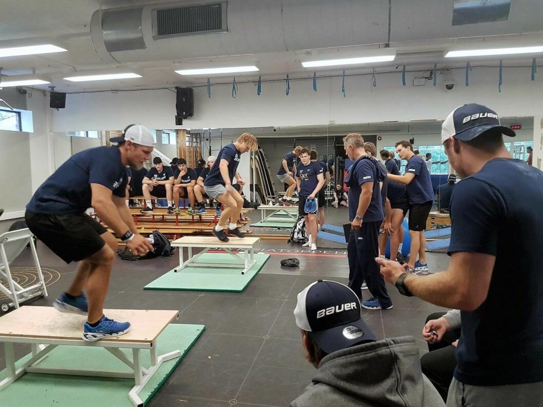 Iron Man-konkurransen. Her er VIF hockey i aksjon. Foto:  Ellen Synnøve Korstad
