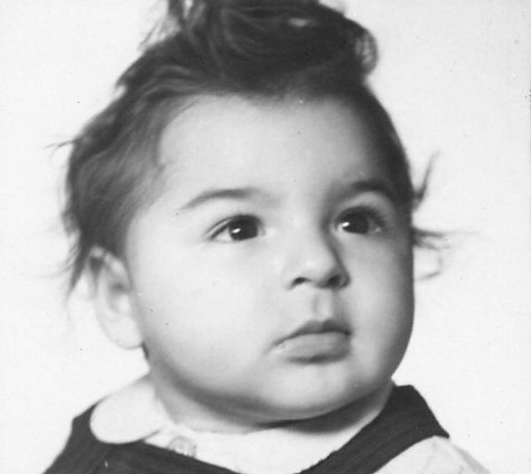Bjørn Meier Scharff var to år gammel da han ble sendt fra Oslo til Auschwitz. Der ble han umiddelbart gasset ihjel med moren og broren. Foto: Jødisk museum