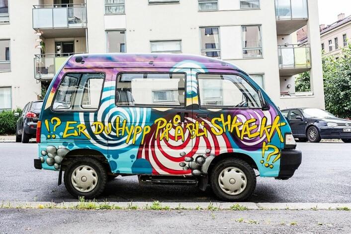 Linda Vidalas bil blir fort kjent igjen på gata. Foto: Stine Raastad