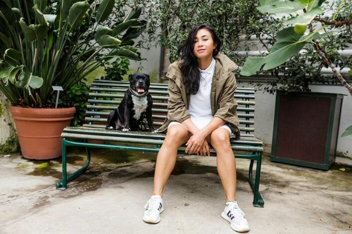 Linda Vidala med hunden sin. Foto: Stine Raastad