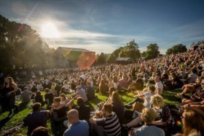 I dag var det fint vær på Øyafestivalen, mer øl - og dermed mer resirkulering. Foto: Øyafestivalen