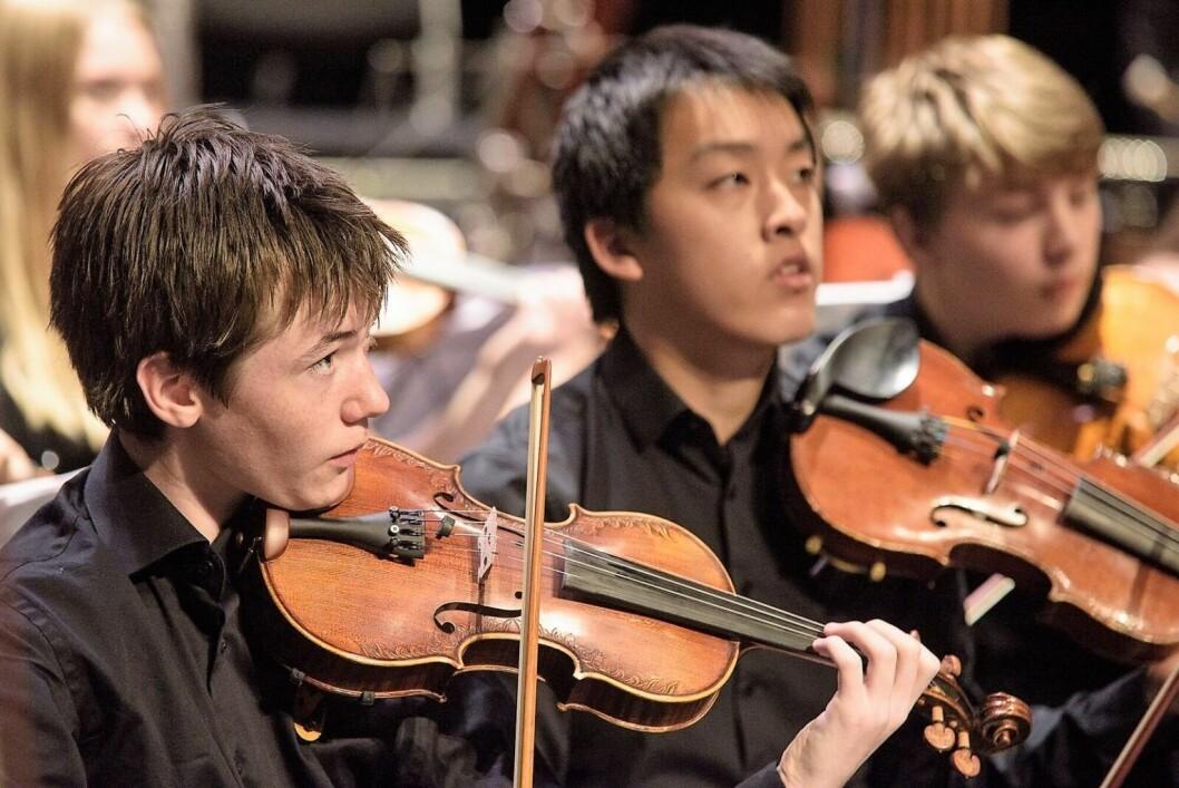 Norsk Ungdomssymfoniorkester i aksjon på Sentralen i Oslo sentrum  Foto: Stian Green: