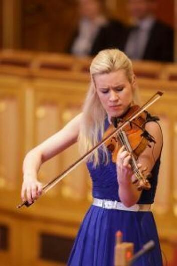 Fiolinist Eldbjørg Hemsing. Her på Stortinget. Foto: Morten Brakestad/ Stortinget