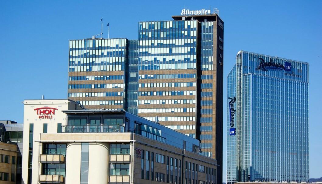 Postgiorbygget og Oslo Plaza Hotel.