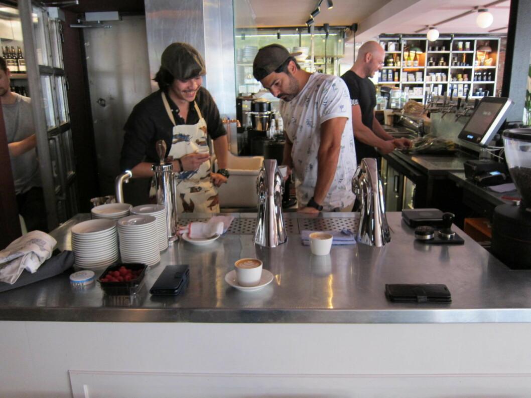 Hyggelig betjening med stor kunnskap innen kaffe. Foto: Susanne Skaug/VårtOslo