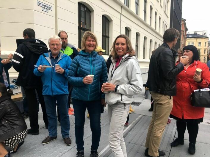 Kristin og Cecilie bor på Ruseløkka og er veldig fornøyde med den nye plassen. Foto: Live Drønen
