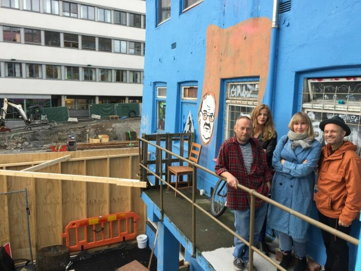 Disse personene sørger for det største nye kulturprosjektet i Oslo for tiden. I bakgrunnen skimtes byggeplassen for Vega Scene. Foto: Vegard Velle