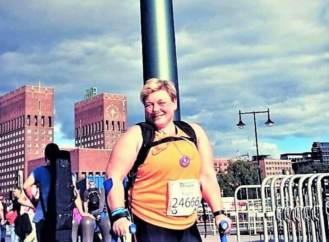 Karen Skålvoll er klar for Oslo maraton, og lar seg ikke hindre av lungesykdom eller oksygenmaskin. Foto: Torbjørn Skålvoll