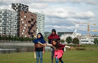 Video: Her lever klasse 6A og 6B på Gamlebyen skole middelalderlivet midt i Oslo