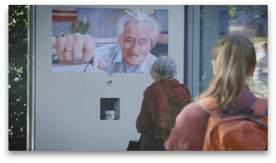 """Fra filmen """"frivillig kaffeprat"""". Foto: Frivillig.no"""
