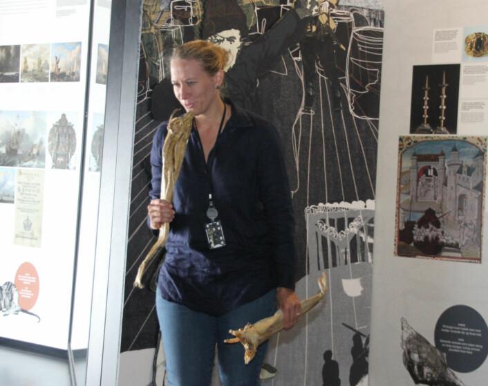 Heidi Thöni Sletten, som hadde med seg en skikkelig tørr tørrfisk. Foto: Hans Magnus Borge