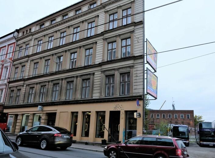 Beboerforeningene er redd utbyggingsplanene vil rasere den verneverdige bygningen i Schweigaards gate 51. Foto: Christian Boger