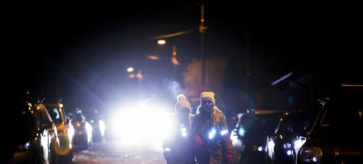 Fotgjengere som ikke bruker refleks fører til mange nestenulykker i Oslo