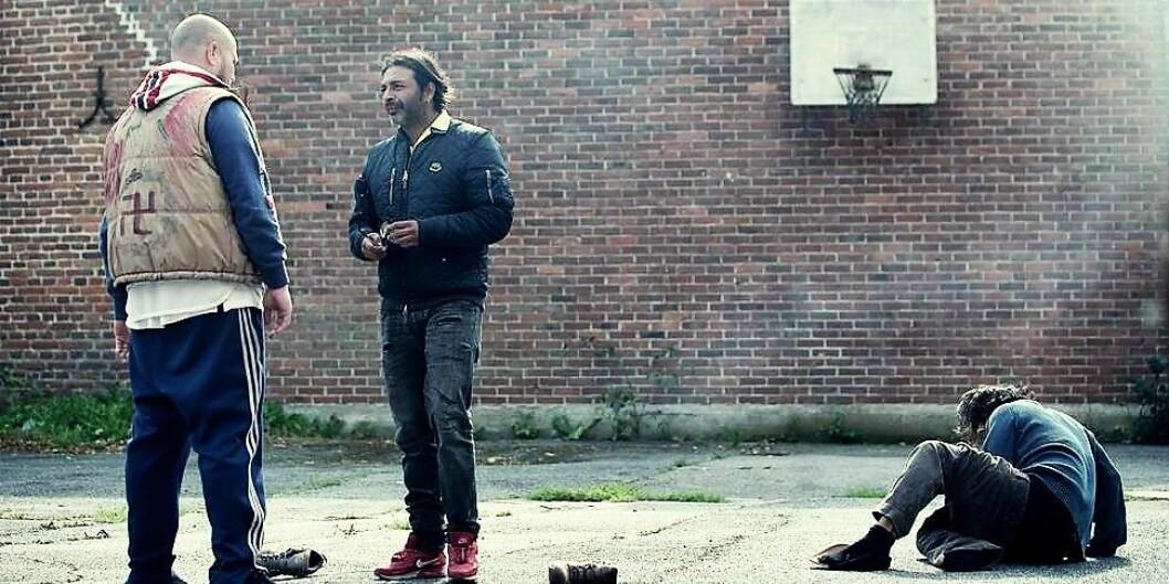 En konfrontasjon mellom Josef (Leon Bashir) og «Lille Hitler» (Kim Sørensen) i «Gjengangere». Foto: Wanted Film Mola Production