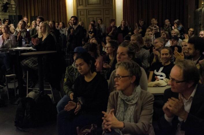 Protestfest i frokostkjelleren på juridisk fakultet. Foto: Morten Lauveng Jørgensen