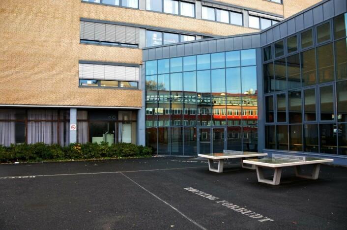 Ved Etterstad videregående skal en voldssak ha blitt oppklart fordi politiet fikk tak i overvåkingsbilder. Foto: Morten Lauveng Jørgensen