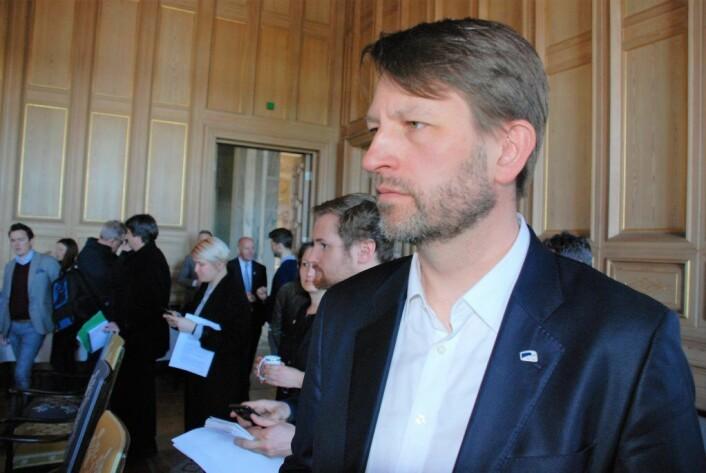 Høyre og gruppeleder Eirik Lae Solberg vil ha med seg bystyreflertallet på mer enn bare kameraovervåking - partiet ønsker narko-hunder og uniformert politi i skolegårder. Foto: Arnsten Linstad.