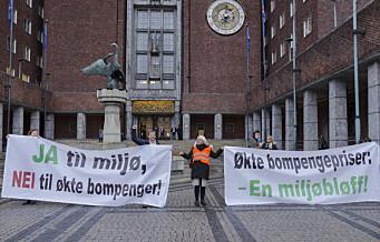 Stor protest mot bompenger: – Jeg har ikke gått i demonstrasjonstog siden jeg streika som telemontør i 1974, men nå er det nok