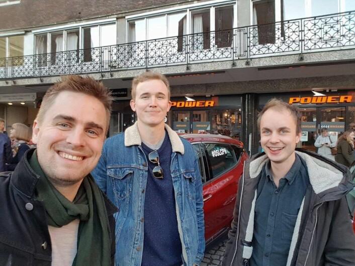 Fra v.: Eivind Trædal, Oddvar Thorsen og Torkil Vederhus, i Team Miljøpartiet de Gale, fikk ladeproblemer underveis. Foto: Privat