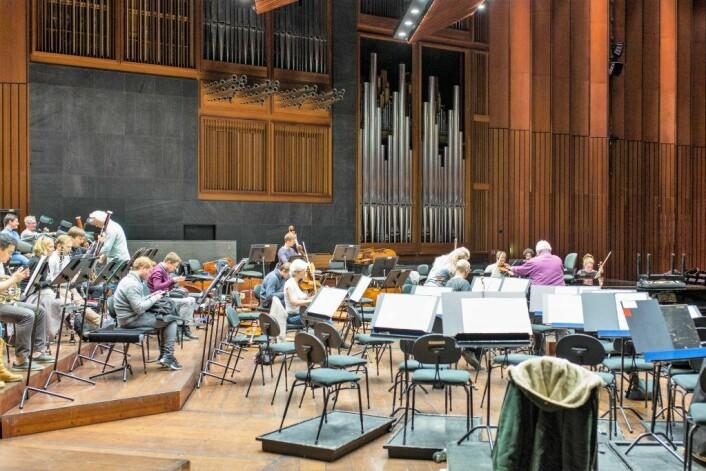 I Konserthusets Store sal finnes det store pipeorgelet. I salen øver Oslo-Filharmonien. Orkesteret er regnet som det beste i Norden, og dets dirigent, Vasily Petrenko, ble nylig kåret til Årets utøver i verden, av det britiske musikkmagasinet Gramophone. Foto: Stig Jensen
