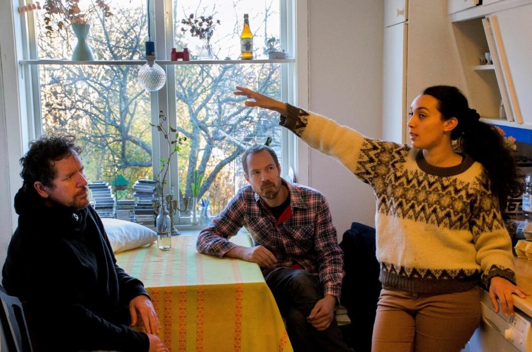 Noen av kunstnerne i Vandaler forening: Michael McLoughlin, Mattias Cantzler og Hanan Benammar. Foto: Morten Lauveng Jørgensen