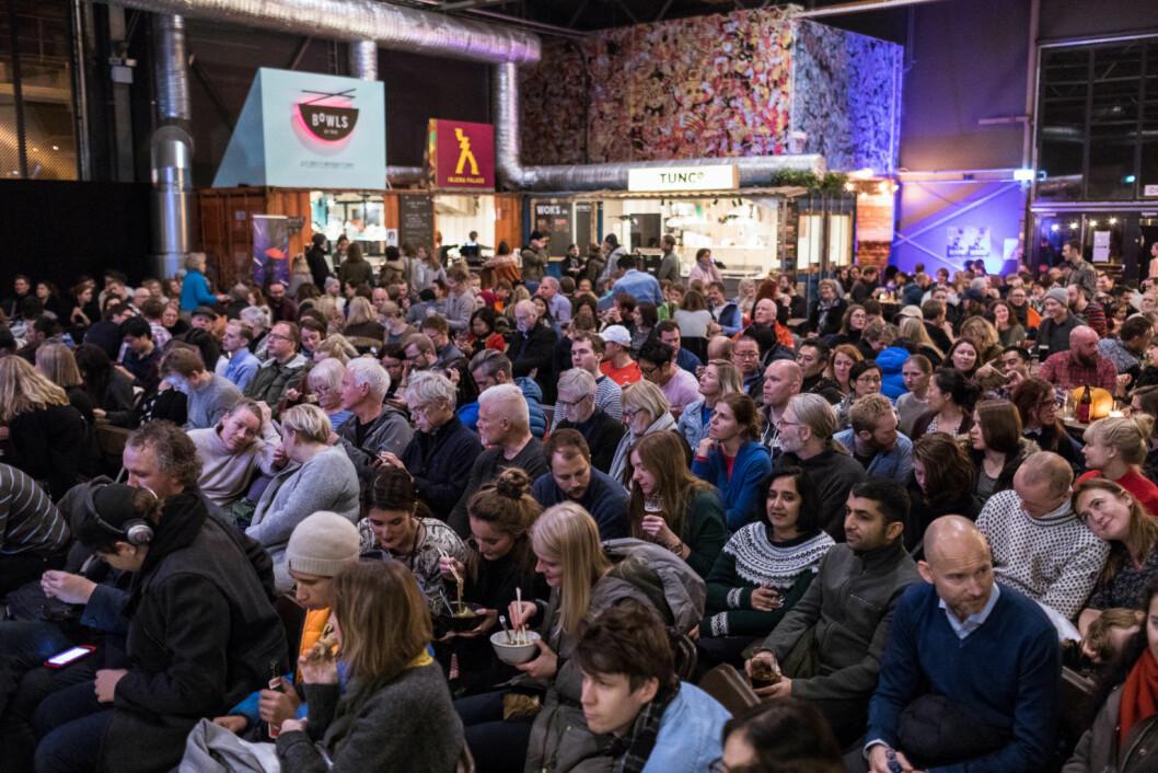 Rundt 400 mennesker tok turen til Vippa for å se en dokumentar om Ramen. Foto: Johnny Vaet Nordskog