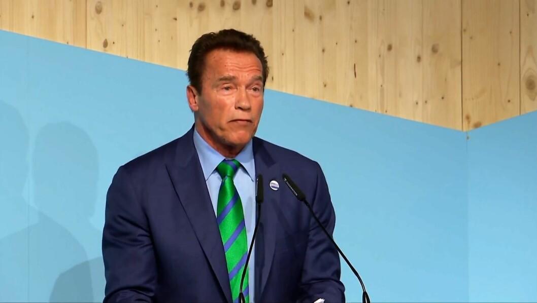 Arnold Schwarzenegger skrøt av Oslo og Raymond Johansens miljøinnsats under klimatoppmøte i Bonn. Foto: cities-and-regions.org