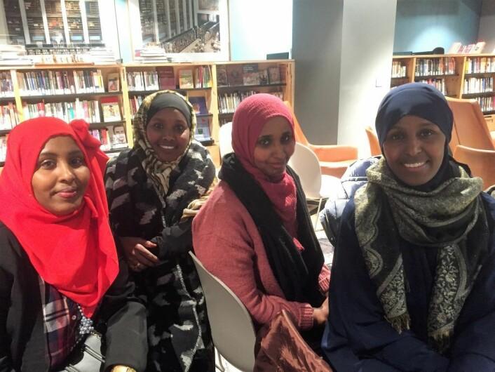 Farhia Warsame, Sahra Nuur, Ayan Ahmed, Faisa Warsame (fra v.). Foto: Vegard Velle