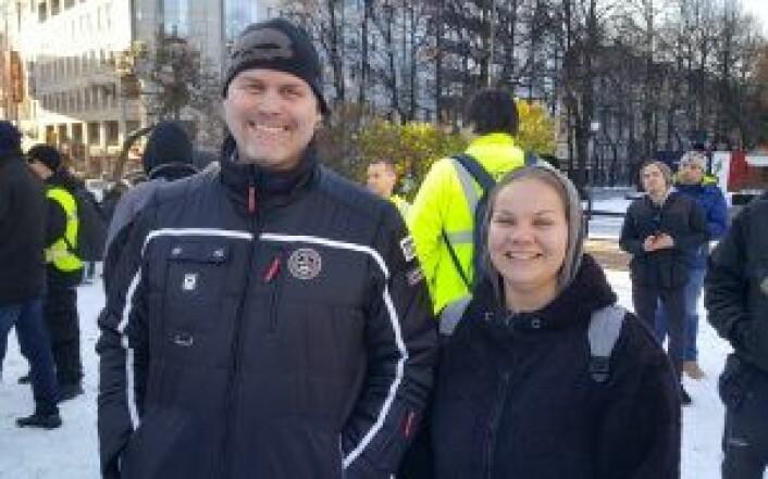 Eddi Jensen og Malin Ryen utenfor Stortinget i dag. Foto: Tarjei Kidd Olsen