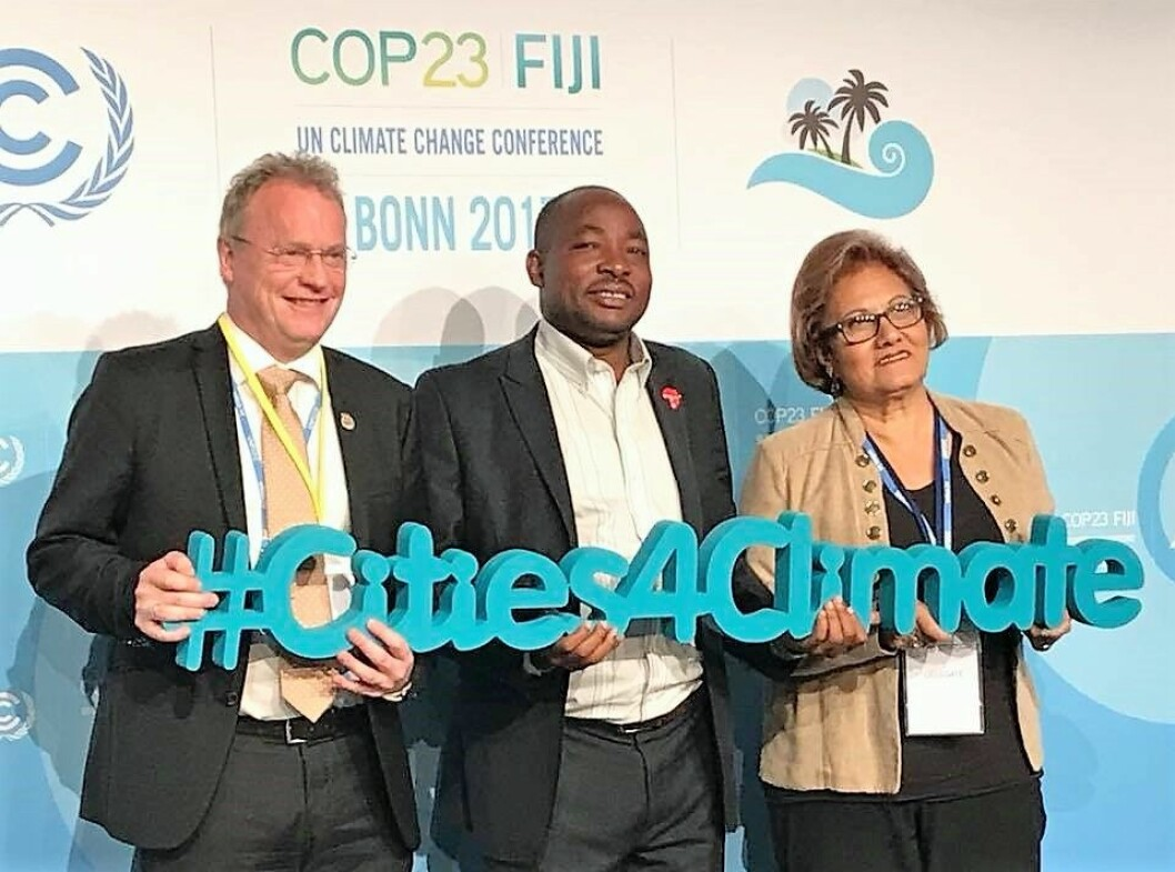 Raymond Johansen deltok under klimatoppmøtet i Bonn. Her sammen med Charles Mwite, ordfører i Dar es Salaam, og Helen Fernandez, ordfører i Caracas. Foto:  Raymond Johansen