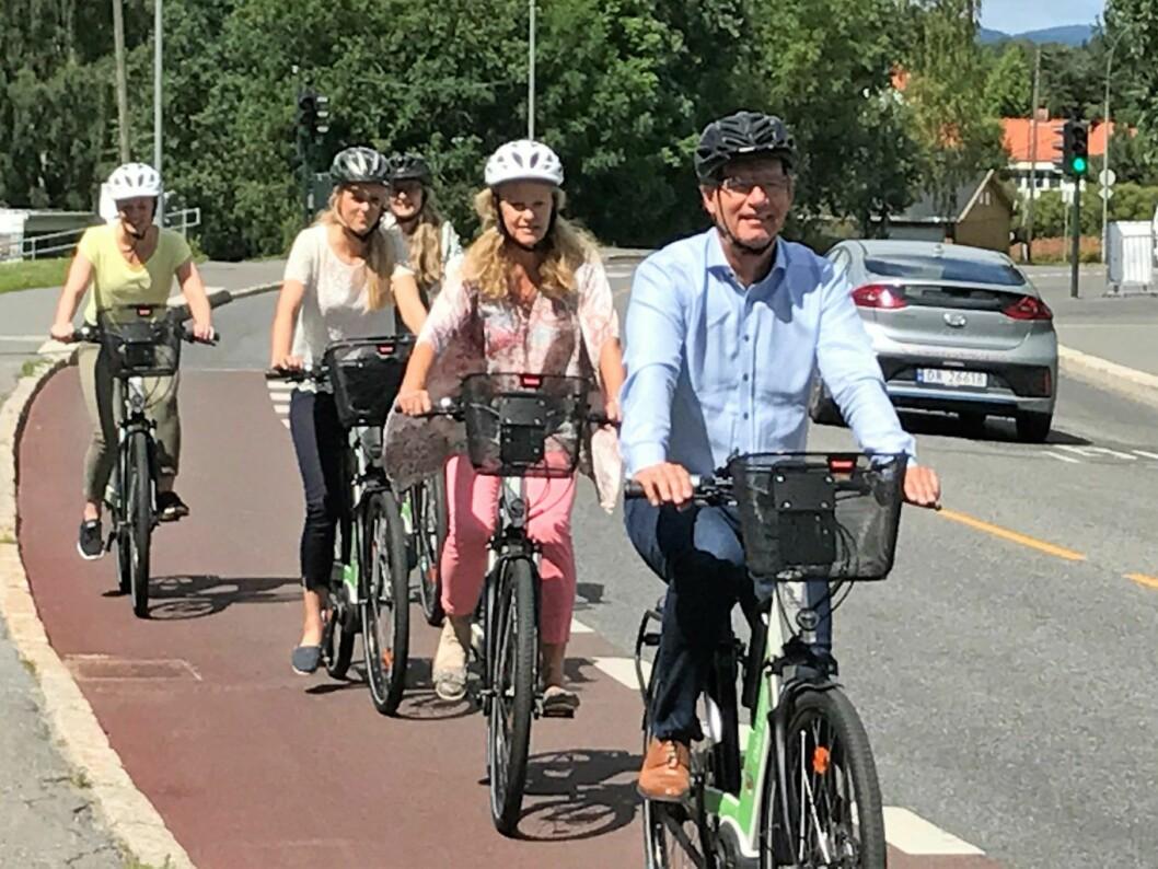 Syklister på elsykkel. Illustrasjonsfoto: Anne-Line Aaslund/Oslo kommune