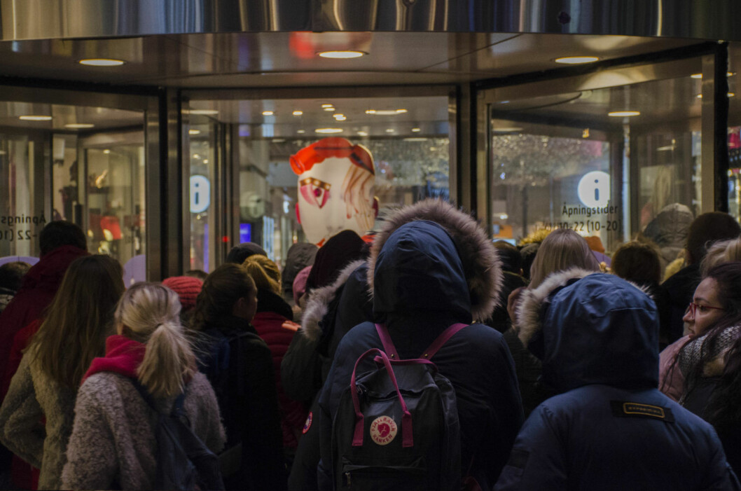 Dørene åpnes på Oslo City, klokka sju i dag tidlig. Foto: Morten Lauveng Jørgensen