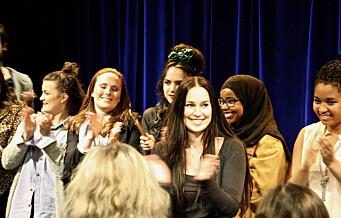 Et brennaktuelt teaterstykke er som tatt ut av #MeToo. Stykket er superpopulært, og publikum vil ha mer