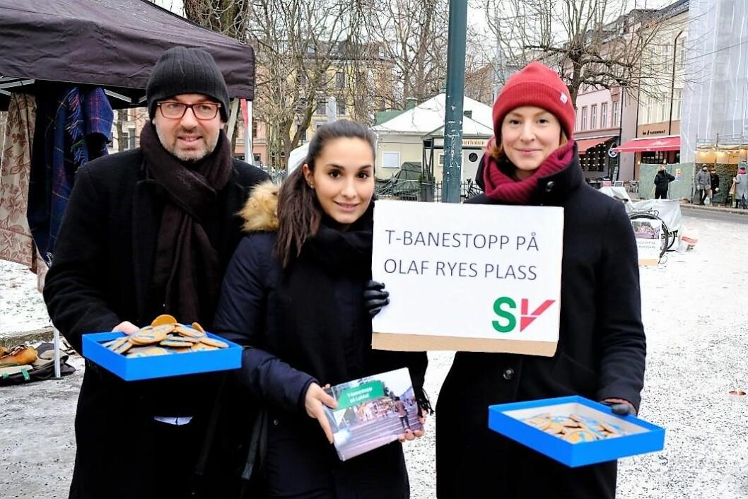 SV-politikerne Arild Sverstad Haug, Anna Garcia og Sunniva Holmås Eidsvoll ønsker t-banestasjon på Olaf Ryes plass og ikke ved Nybrua. Foto: Christian Boger