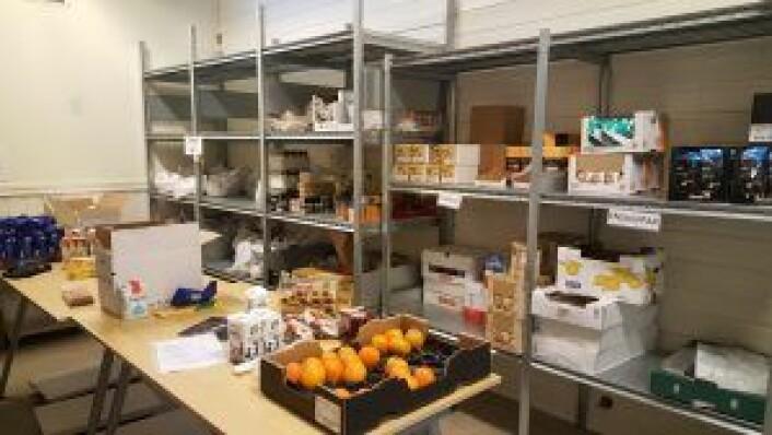 Litt av matlageret på slumstasjonen. Foto: Tarjei Kidd Olsen
