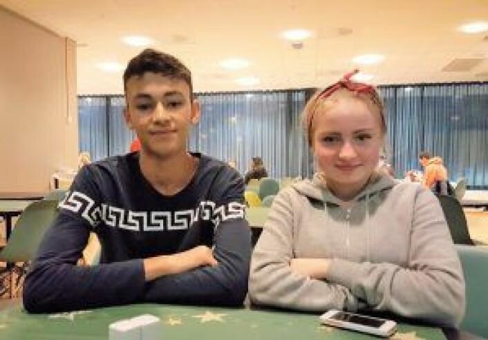 André Claxton-Berge (15) og Olivia Heymanns (14) fra Røde Kors' DJ-skole. Foto: Tarjei Kidd Olsen