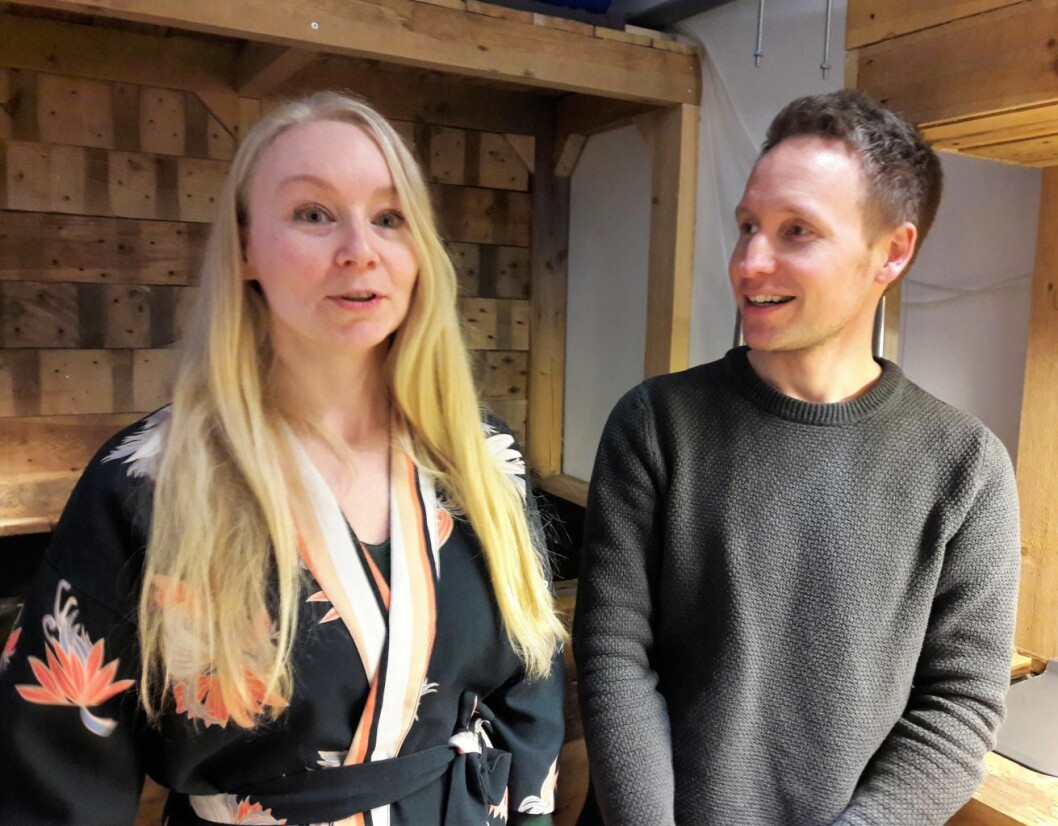 Marianne Netland og Anders Skaug lærer noe nytt hele tiden i aquaponi-anlegget i Platous gate. Foto: Anders Høilund