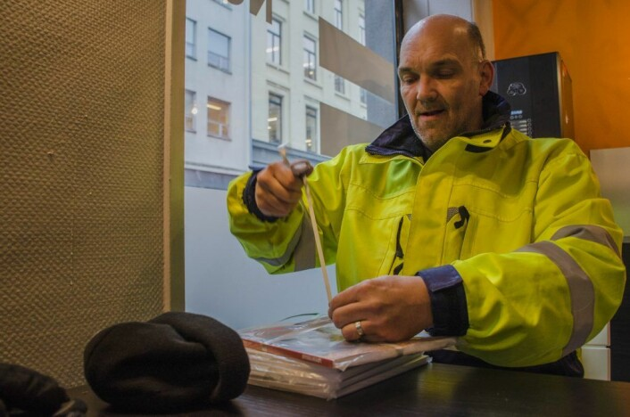 Magnus Carlson skal snart ut og selge sine Erlik Oslo-bøker. Foto: Morten Lauveng Jørgensen