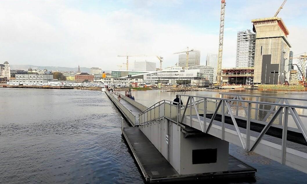 Gangbrua til Sørenga lever på lånt tid, om Oslo havn får viljen sin. Foto: Anders Høilund