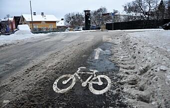 En myte at sykkelveier prioriteres måkt før fortau, mener MDG