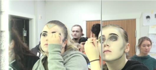 Video: Kan én person endre verden? Elevene på Rønningen folkehøgskole utfordrer deg med show som begynner i dag
