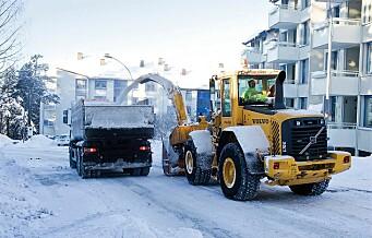Nå setter bymiljøetaten opp Parkering forbudt-skilt og rydder hele gater for snø