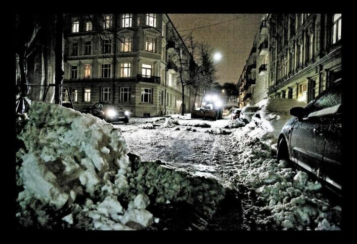 De prioriterte sykkelveiene, inkludert kjørebane og fortau, brøytes og kostes kontinuerlig ved snøfall. Foto: Bymiljøetaten / Flickr
