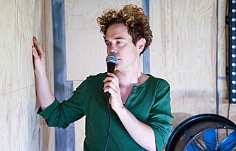 Teaterstykket Farvel til Eddy Bellegueule til tider intenst om homofobi og frihetstrang