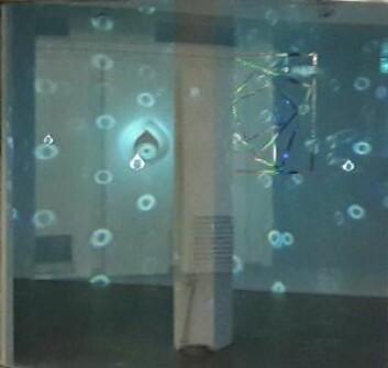 Josefine Lyche har laget installasjonen Crystal Cult som er utstilt på Carl Berner T-banestasjon. Foto: Anders Høilund