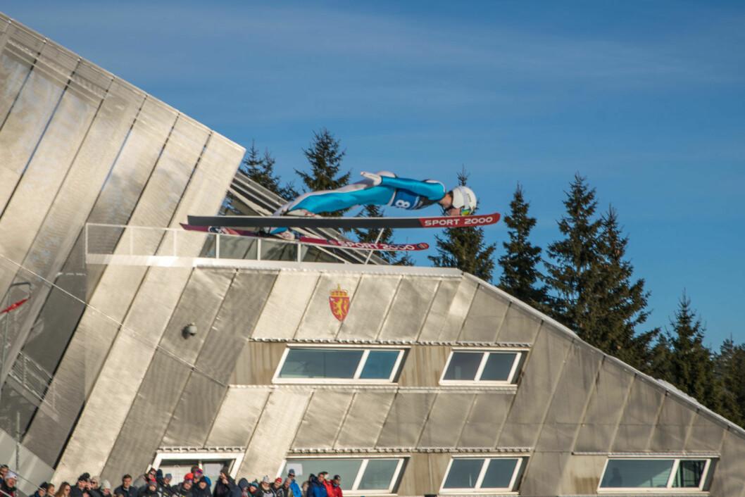 17 år gamle Benjamin Østvold ønsker å bli verdensmester i skiflyvning. Derfor søkte han seg til Wang toppidrett. Foto: Anna Carlsson