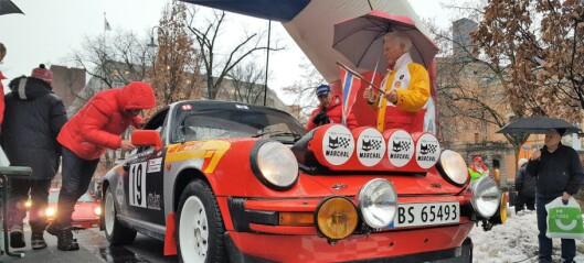 Her freser veteranbilene av gårde fra Nationaltheatret i Rally Monte Carlo Historique. Se de herlige bildene